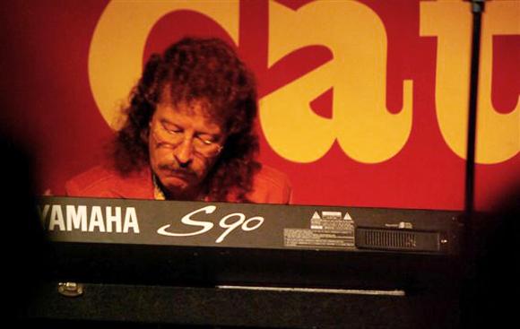 Noel Stevens, Gast-Hammondspieler bei Get the Cat