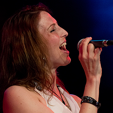 Melanie Bartsch, Sängerin von Get the Cat